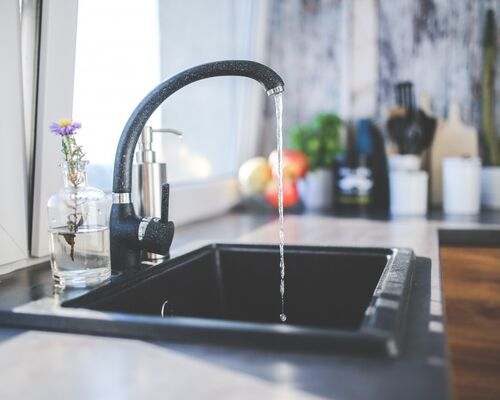 tap_black_faucet_kitchen_sink_interior_design_modern-723004
